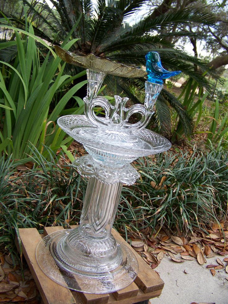 Vintage Glass Bluebird Crystal Birdbath Feeder Waterer