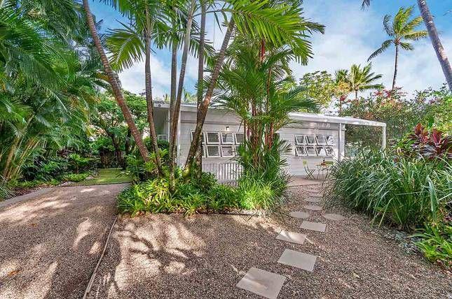 Nota Villa Port Douglas, a Port Douglas Cottage | Stayz