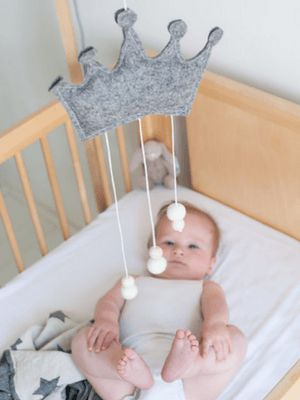 Luxe & Nod - Eco-friendly organic luxury baby mobiles. Sourced from the best organic products including the wood, thread, stuffing and felt.