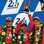 """Timo Bernhard wird Zweiter beim 24-Stunden Rennen von Le Mans """"Das FitLine Activize hat mich als erstes überzeugt, weil ich das bei keinem anderen Anbieter gefunden habe und weil man direkt spürt wie sich die Konzentration im Körper aufbaut."""""""
