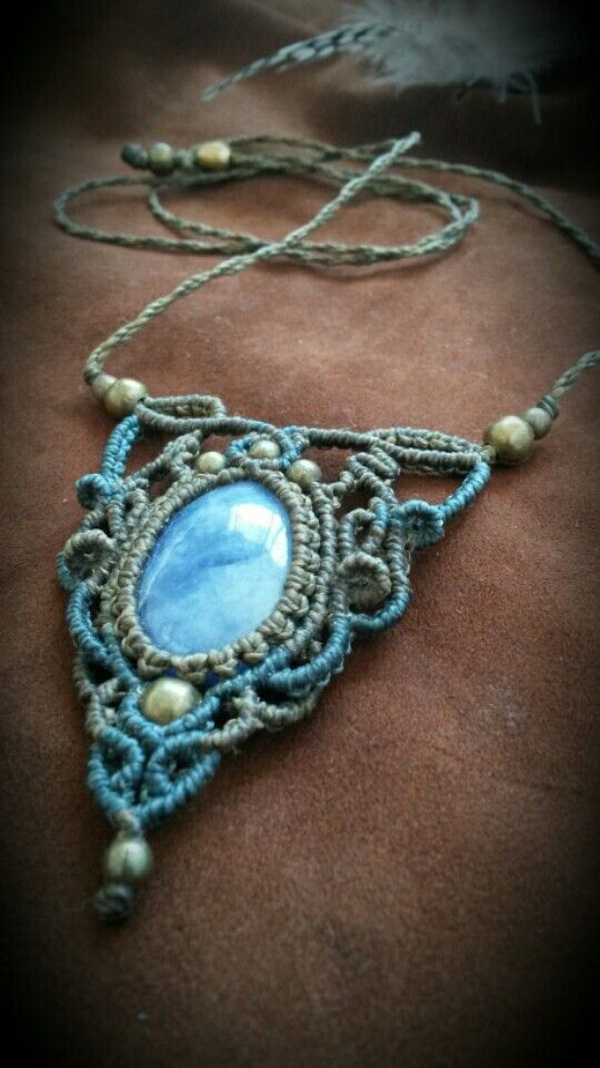 * Macrame necklace with Sodalite *