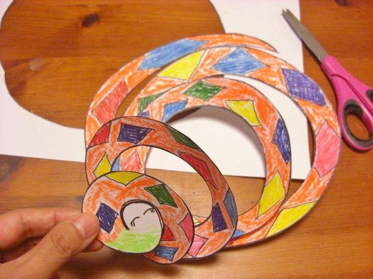 持って走るだけで、風がなくても新体操のリボンのように回転して楽しい「くるくる凧」の作り方をご紹介します。ハサミ使いの練習にもなるので、小学校入学前の子どもの工作として、いかがですか?