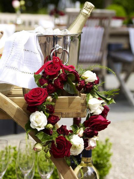 Decoration Awesome Easy Summer Table Decorations Red Color Fresh Flower Rose Wreath Champagne Creative