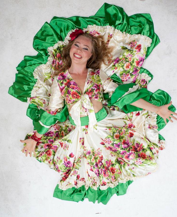 #Cantare, #danzare e sentirsi un #fiore nel prato! Danze gitane con Victoria Ivanova!