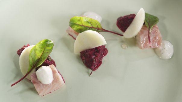 Eén - Dagelijkse kost - tartaar van rode biet, appel en gerookte paling met mierikswortel