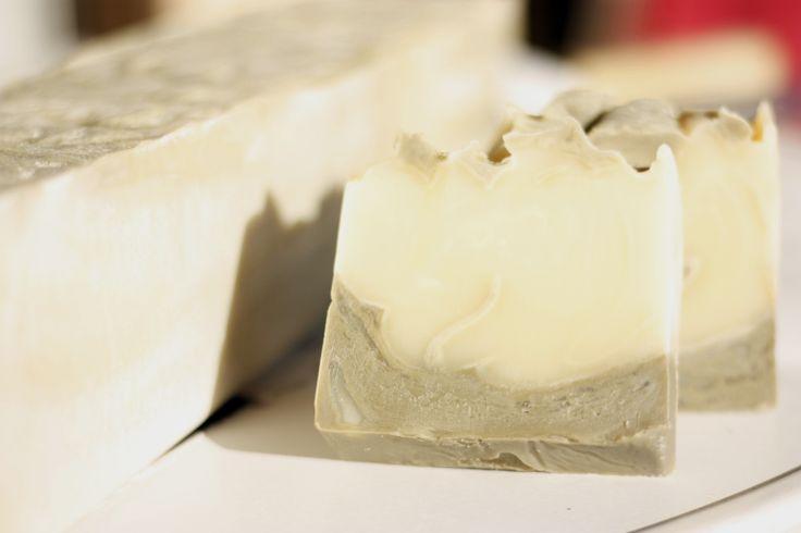 Grey Clay & Sheabutter Soap. Jabón de arcilla gris y karité.