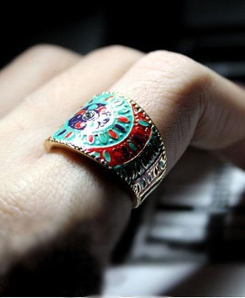 Golden Ethnic Pattern Ring http://www.chicnova.com/golden-ethnic-pattern-ring.html