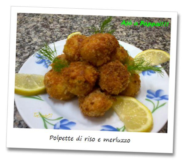 """Polpette di riso e merluzzo / Rissoles with rice and cod. Semplice piatto casalingo, adatto sia come antipasto che come primo. Accompagnato da una fresca insalata diventa un ottimo piatto unico da gustare durante i pranzi fuori porta. Da provare!!  Simple homemade dish, suitable both as an appetizer and as a first course. Accompanied by a fresh salad, such as """"The Ajò a Pappai's salad!!!"""", it becomes a great dish to enjoy during a lunch outside the door. Try it!"""