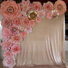 Este bello panel de flores #dugorche en tonos rosa con destellos dorados colocadas sobre una hermosa y lujosa cortina de lentejuelas de @levelambientacion será el fondo decorativo de un #photostage en celebración de cumpleaños. #floresdepapel #floresrosas #arteenpapel #paneldeflores #murodeflores #murodefloresdepapel #instasweet #instaart #instaarte #instaflores #instaflower #instaflowers #flowerslovers #hechoamano #manostabasqueñas #villahermosa #paperflowers #paperflower…