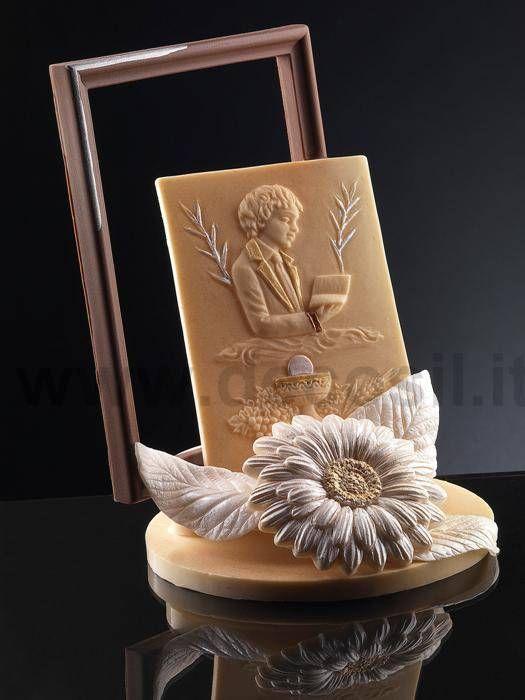 Pergamena in rilievo e fiore di cioccolato ideale per for Decorazione torte prima comunione