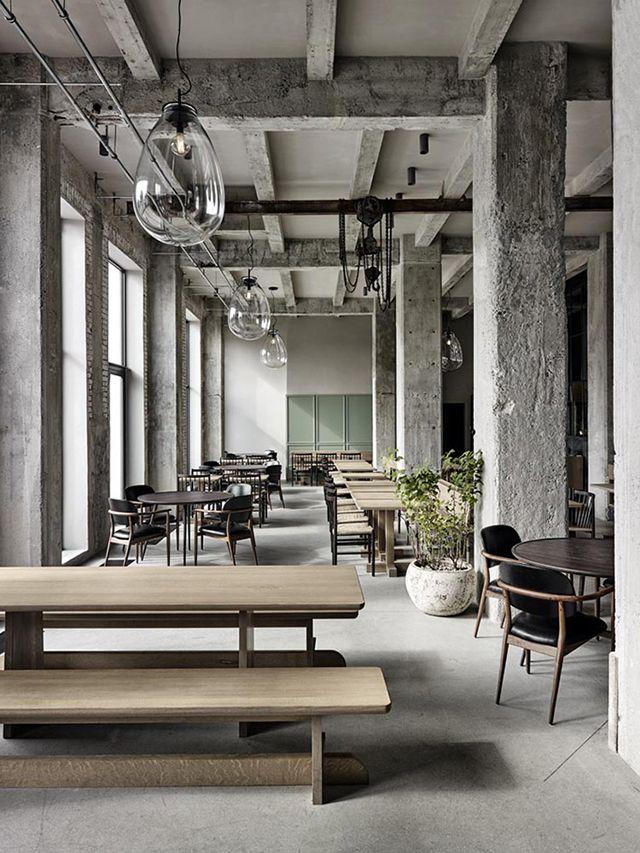 This beautiful Swedish apartment by Oscar Properties combines a New York loft feel with warm Scandinavian minimalism. Featuring original win...