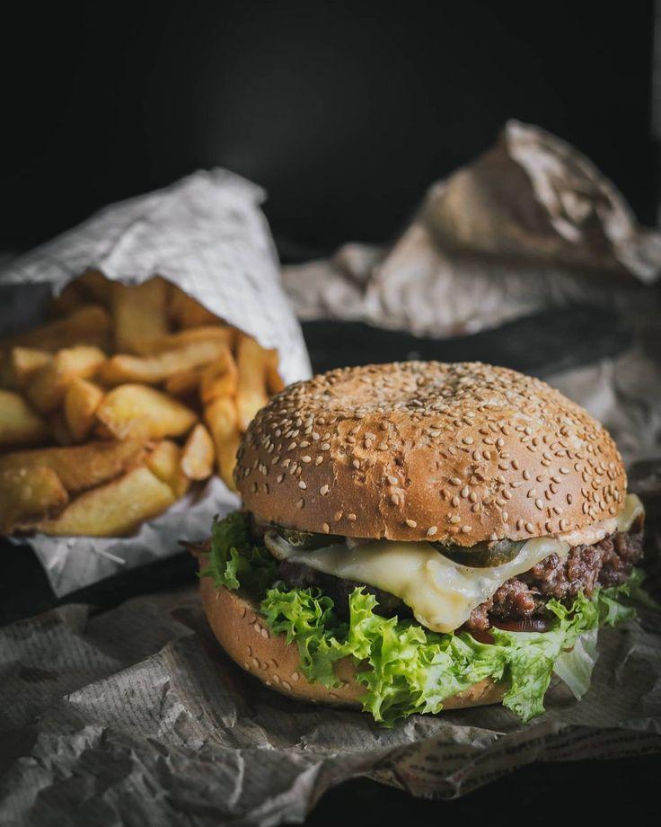 "Dominik Stefanowski on Instagram: ""🍔 • • • #burgerhouse #burgerfuel #burgergourmet #burgermeister #burgerlicious #burgerclub #burgerista #loveburger #burgerlovers #foodtrends…"""