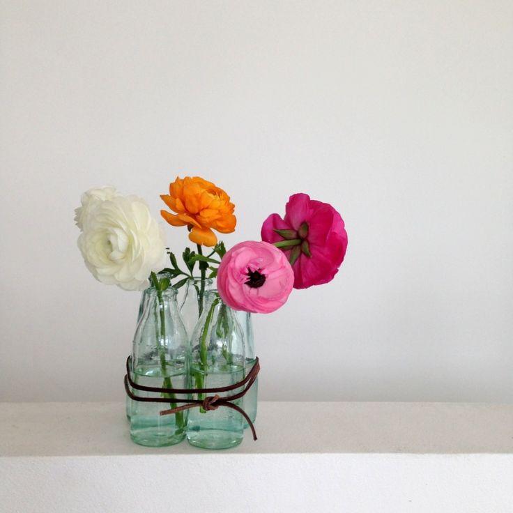 the 25 best ideas about kleine glasflaschen on pinterest kleine flaschen recycling gl ser. Black Bedroom Furniture Sets. Home Design Ideas