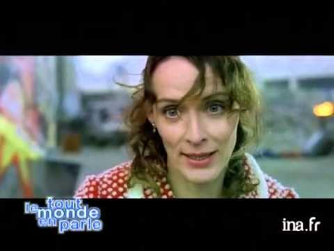 """Albert Dupontel est invité pour son dernier film """"enfermé dehors"""", avec l'actrice Claude Perron. Extrait du film.propos désabusés de Dupontel sur la percepti..."""