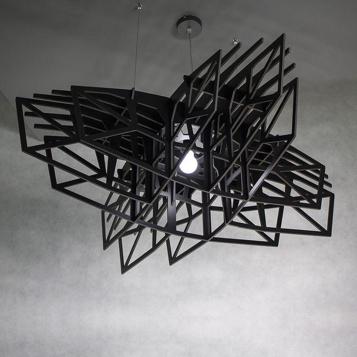 Lampa czarna gwiazda marki Nasu #ladnerzeczy #targirzeczyladnych #ladnerzeczydziejasiewinternecie #polishdesign #design