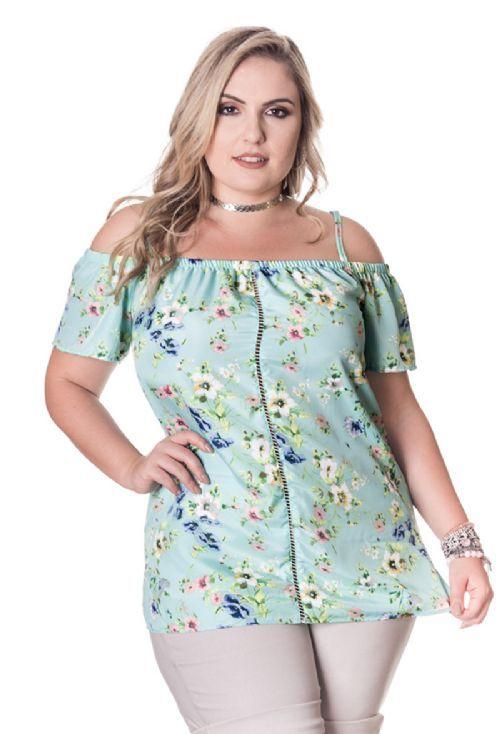 717b43180d Blusa Plus Size Ciganinha Estampada Modelagem ciganinha com alcinha fina  Blusa em crepe estampado Modelo veste