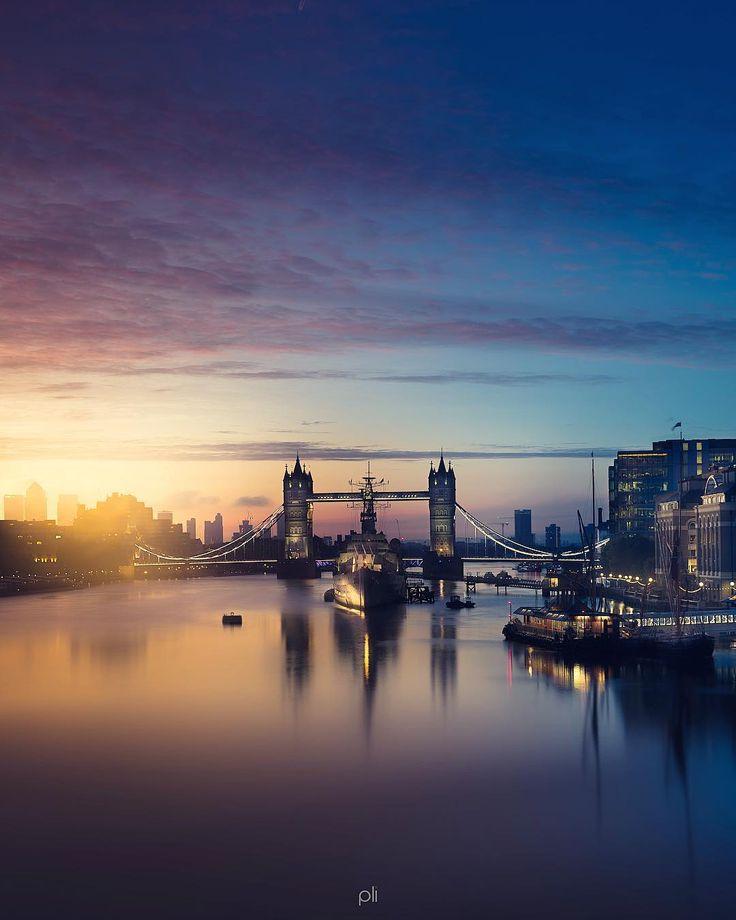 Tower Bridge, Tower Hamlets. London.-