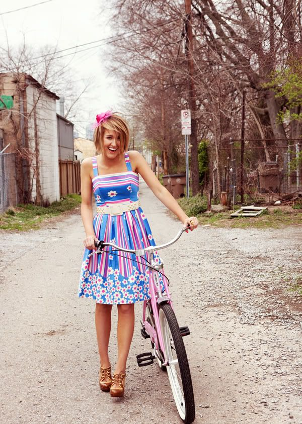 love Britt Nicole and her outfit! (also her hair...it looks kinda like mine right now in this picture)