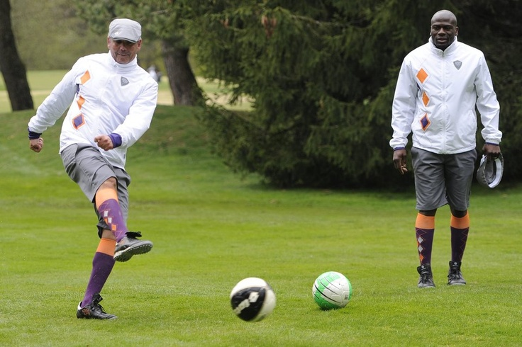"Retired former FC Twente striker Blaise N'Kufo plays ""Golffoot"" for charity."