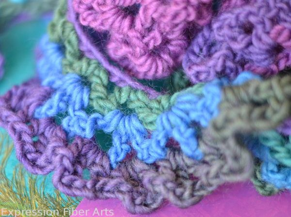 Free Crochet Pattern Spiral Scarf : 17 Best images about Crochet scarf patterns on Pinterest ...