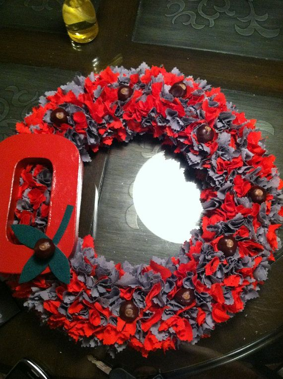Ohio State Wreath I'm so making just need to get family to send me some buckeyes :)