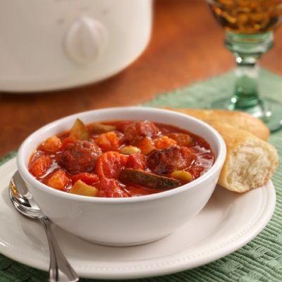 Sabroso Guisado de Salchicha Italiana: Salchicha italiana muy bien condimentada, con vegetales, en salsa de tomates en trozos