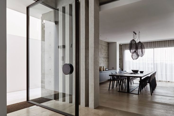 Vaucluse Residence by MHN Design Union | Vitrocsa Pivot Door