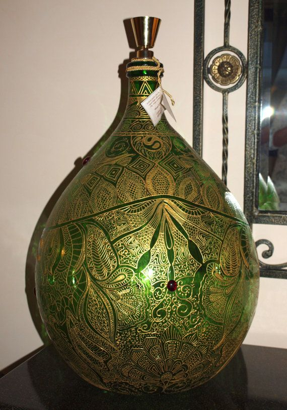 Beautyful hand painted vintage Demijohn Dozza von ViReDesign  Abmessungen: 50 Liter Höhe: ca. 68cm,  Durchmesser: 45cm ____________________________________ Dimensions: 13.2 gallons Height: 26,78 inches  Diameter: 17,72 inches (at its widest point)