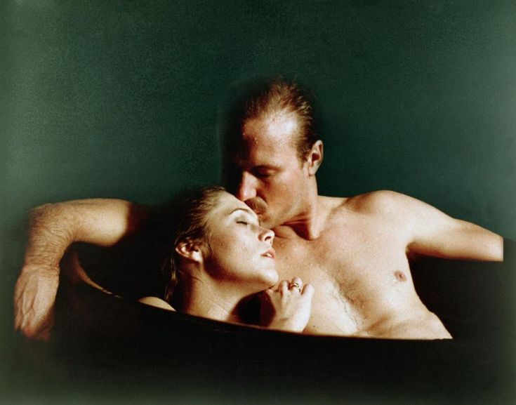 Kathleen Turner and William Hurt in Body Heat directed by Lawrence Kasdan, 1981