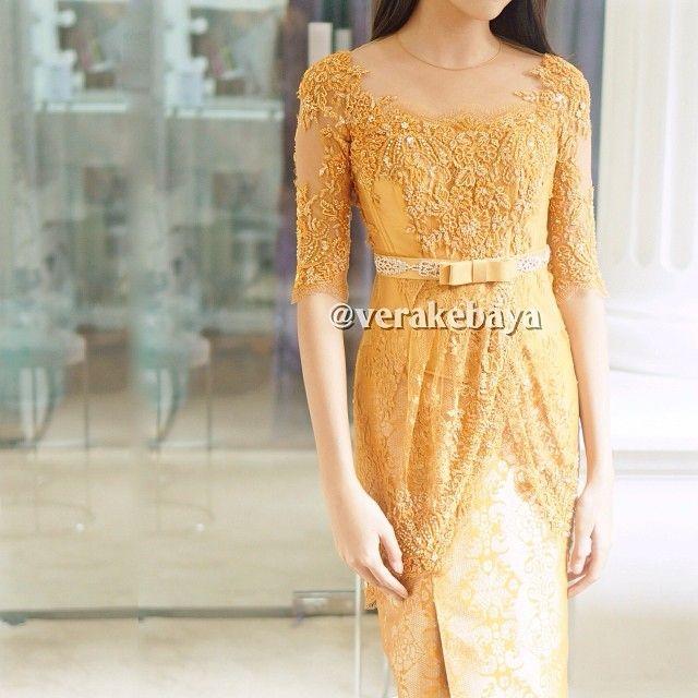 Fitting  #kebaya #partydress #minang #lace #swarovski #payette #beads #fashion #tenun #songket #verakebaya …❤️❤️❤️ (di Rumah Kebaya Vera Anggraini)
