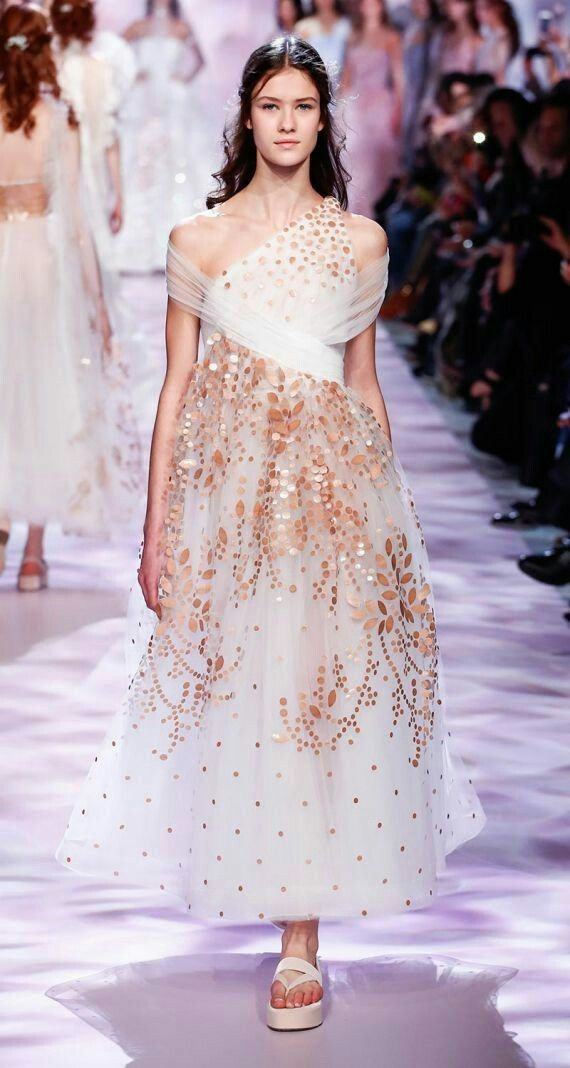 4836 best images about couture gowns on pinterest for High fashion couture