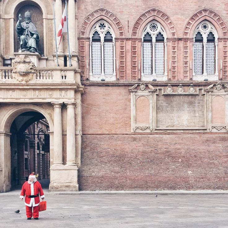 Santa Claus is coming to town :) Bologna - Instagram by ann_mela