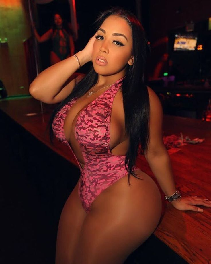 big thighs squeezed latina