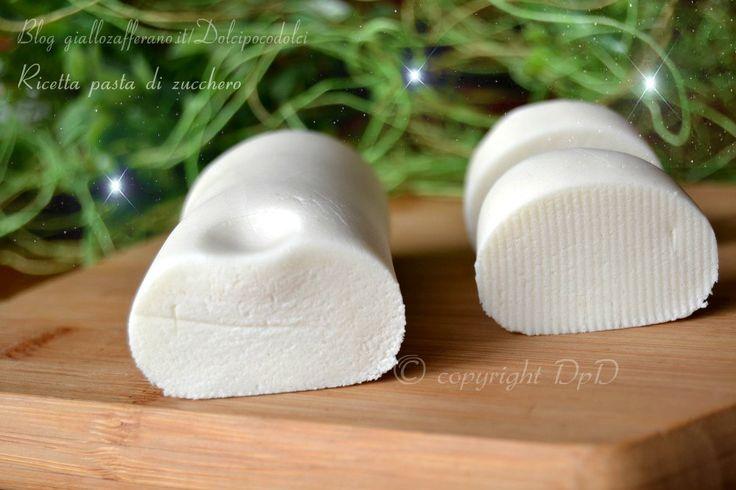 Ricetta pasta di zucchero setosa anche con zucchero a velo fatto in casa. Il segreto è nell'aggiungere poca quantità di farina di fecola. facile e veloce