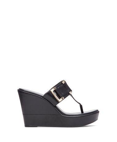Bcbgeneration Siyah Deri Parmak Arası Terlik #sandalet #dolgutopuklusandalet #bantlısandalet #sandals #fashion #trend #style #look #moda #2016modası #derisandalet