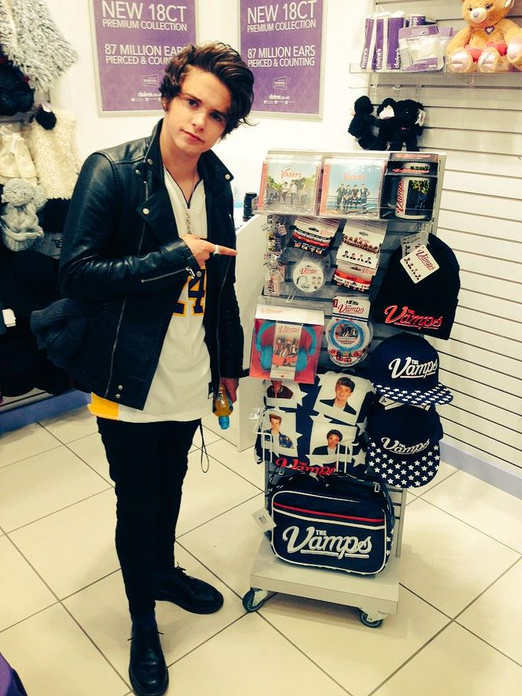 The Vamps merch at Claire's!!!!!!!!❤