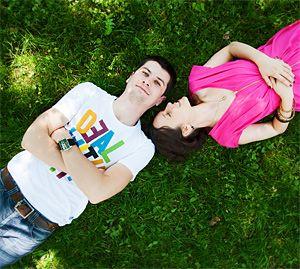 funny engagement photo shoot