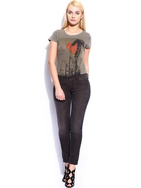 Up Your Fashion Game This Summer? with these designer latest fashion trend western wear. Shop online designer super skinny Jeans, printed jeans, low waist jeans, danim, bollywood trend stylish jeans at ladyindia.com hottest shopping portal exclusively for women.