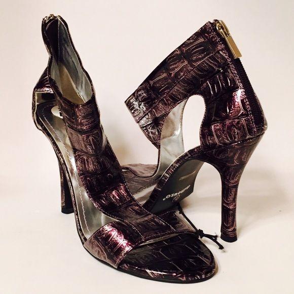 Dollhouse Metallic Zip Stiletto Sandals Prom New W/ Tags / Model; Dollhouse Sweet-41 / Stiletto Heels / Zip up backs / Size 7.5 Dollhouse Shoes Heels