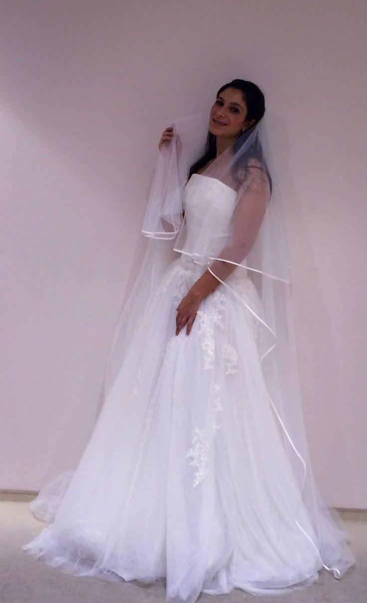 ....cosa ne pensate di questo mio abito?    ......pizzo e tulle per un abito all'insegna del romanticismo e della tradizione Alessandro Tosetti #wedding #matrimonio #tosetti #tosettisposa #abitidasposa2014