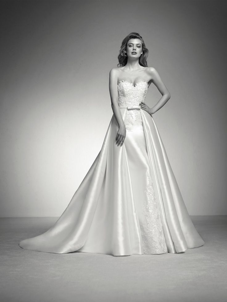 Wedding dress detachable skirt - Pronovias 2018 Collection