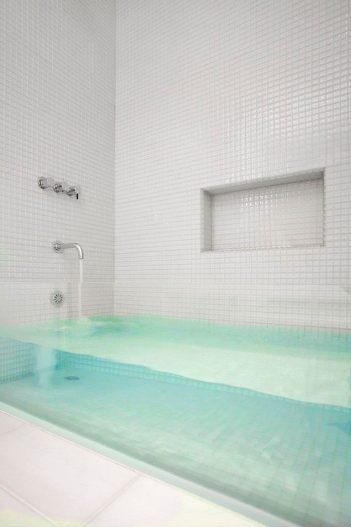 glass front tub