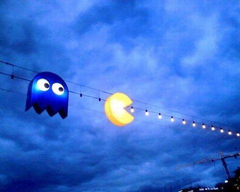: Lights Installations, Pacman Lights, Street Art, Christmas Lights, String Lights, Pac Men, Street Lights, Parties Lights, Streetart