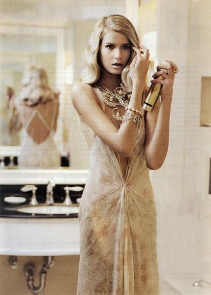 83 best davanti allo specchio images on pinterest fashion models girl models and mirrors - Cavalli allo specchio ...