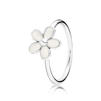 The new #SS14 daisy #PANDORAring - classic and feminine