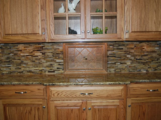 1000 images about kitchen ideas on pinterest oak kitchen cabinets oak cabinets and granite - Custom kitchen backsplash tiles ...