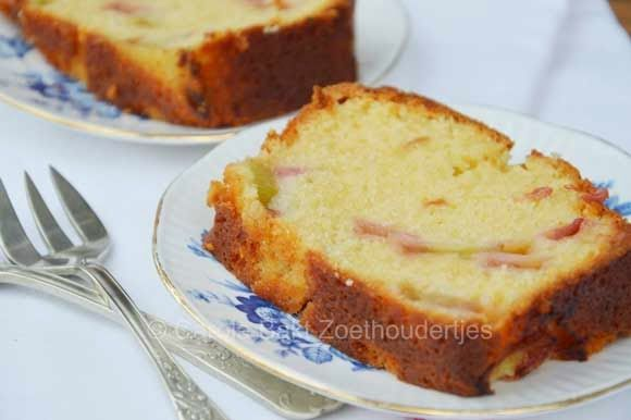 Rabarbercake - uit Rutger bakt - Carola bakt zoethoudertjes !