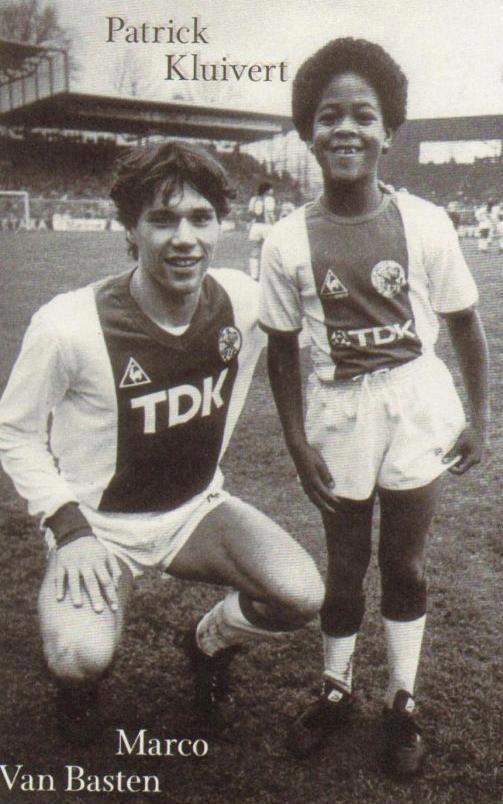 Van Basten y Kluivert.