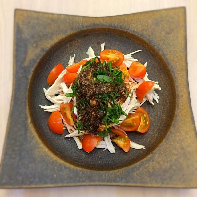 ムネ肉を水から火にかけ20分。 生姜ひとかけスライス、ネギと一緒に。 - 11件のもぐもぐ - 鳥ムネ肉を水から茹でたしっとりバンバンジー風サラダ by maikoyouna