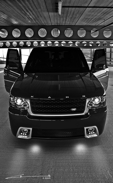 Range Rover 'Black Vogue' by Project Kahn by www.Dream-car.tv, via Flickr